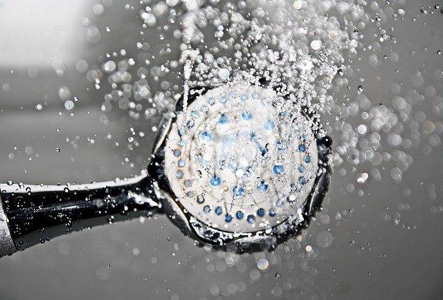 Słuchawka prysznicowa z regulowanym ciśnieniem wody