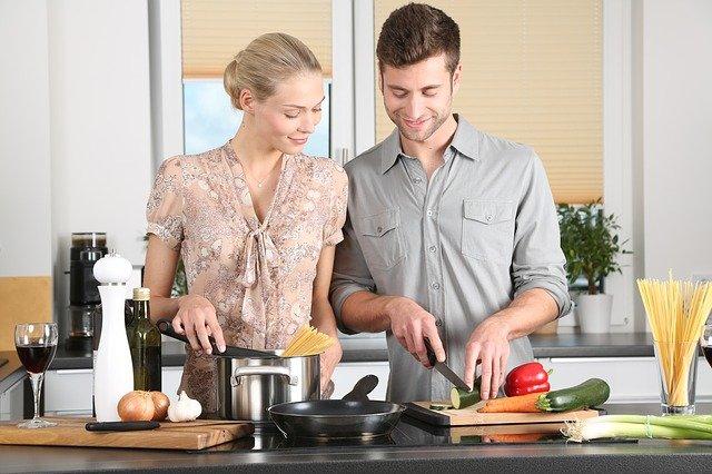 Wspólne gotowanie jest o wiele łatwiejsze z odpowiednimi akcesoriami kuchennymi